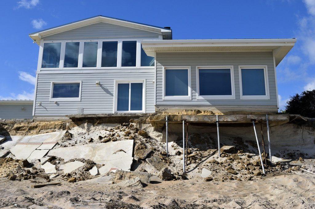 Water damage restoration companies